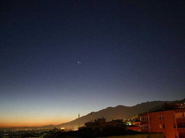 Jupiter et Vénus au lever du Soleil