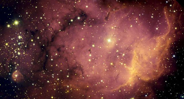 NGC2467: Du gaz aux étoiles