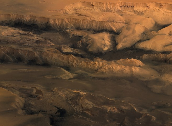 Melas, Candor et Ophir: Les vallées de Mariner