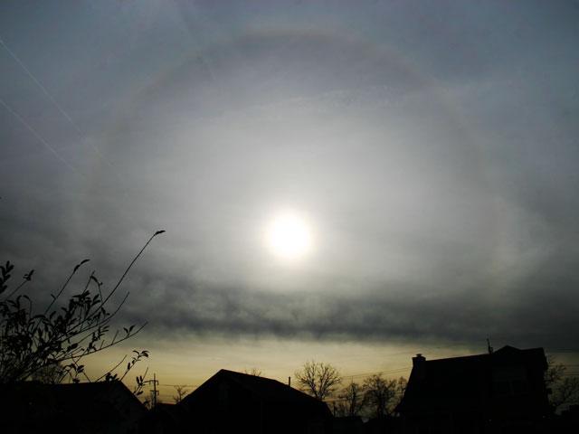 Un halo solaire dans le ciel du Tennessee