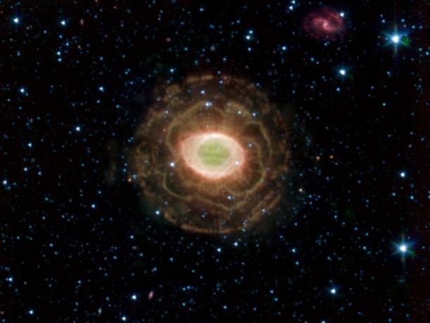 La Nébuleuse Annulaire en infrarouge