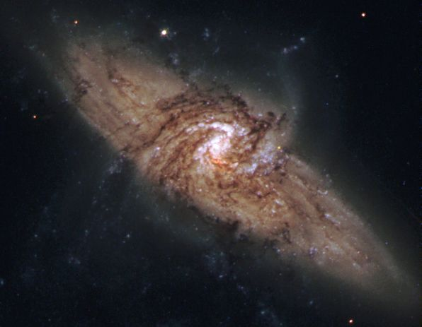 NGC 3314 : quand deux galaxies se superposent