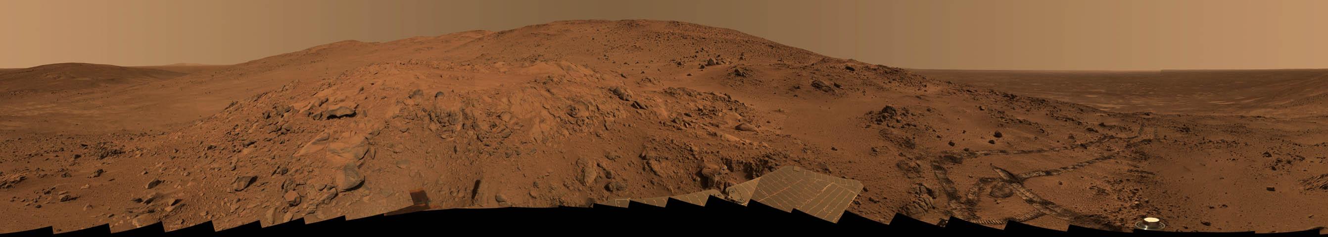 Un panorama de Mars depuis le point de vue Larry
