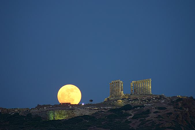 Lever de Lune, Cap Sounion, Grèce