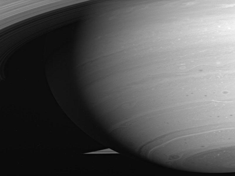 Orageuse Saturne