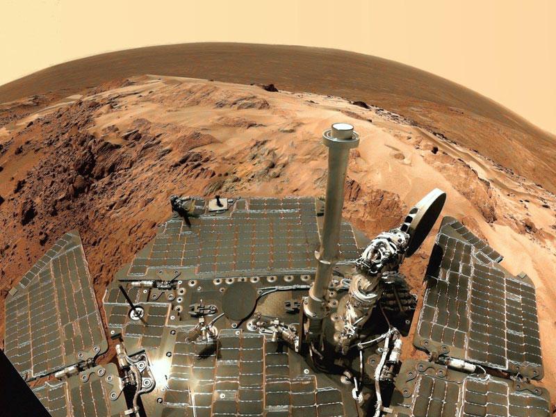 Panorama depuis le sommet du cratère Gusev sur Mars