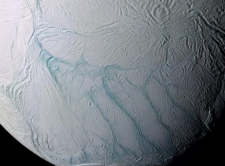 Encelade et la traque de l\'eau