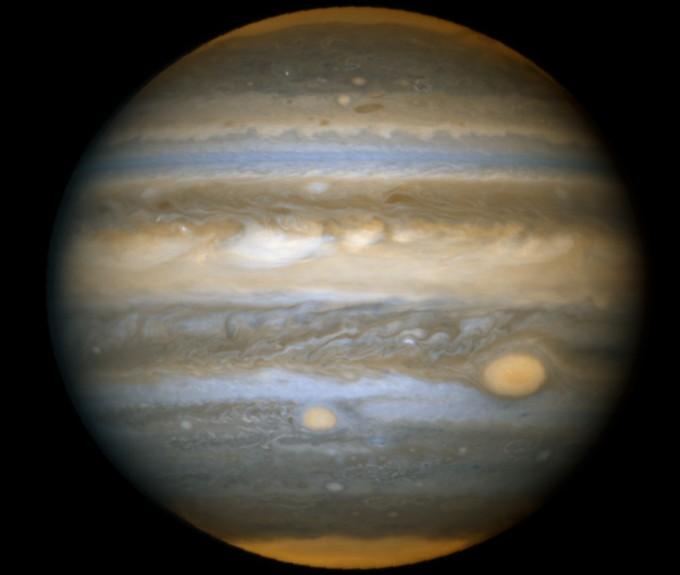 Jupiter et les Taches Rouges