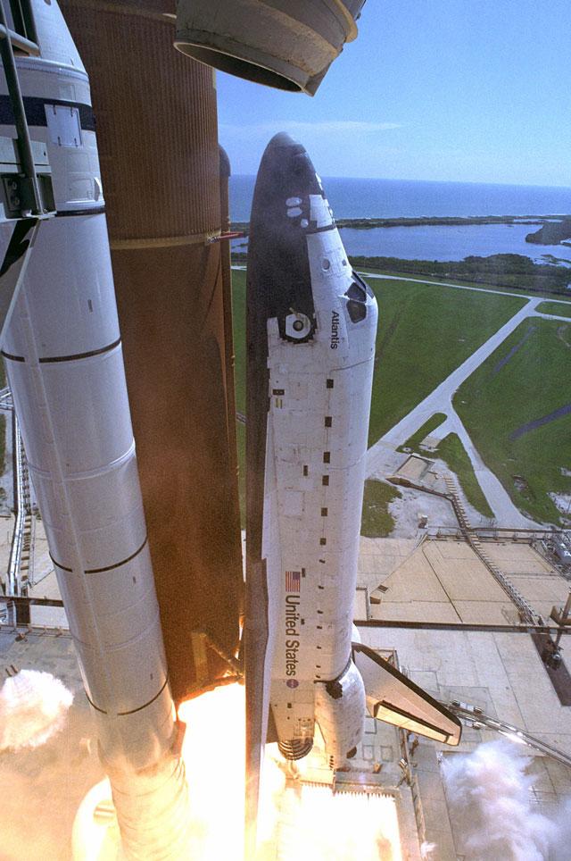 Atlantis vers l\'orbite