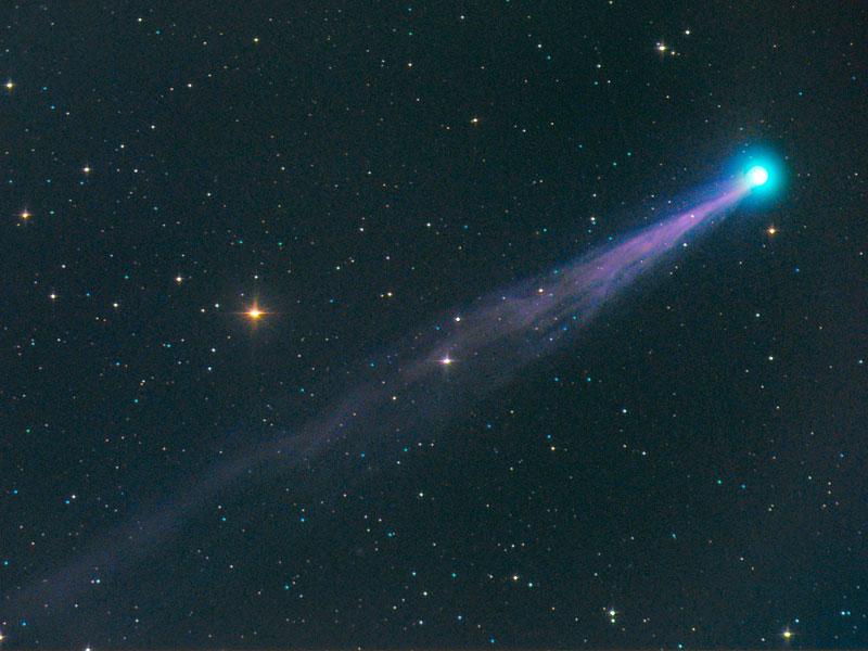 La comète Swan de plus en plus brillante