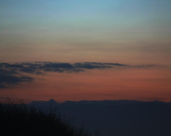 Trois planètes à l\'aube