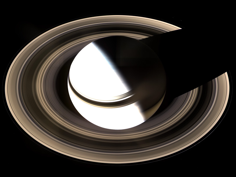 Saturne vue d'en haut