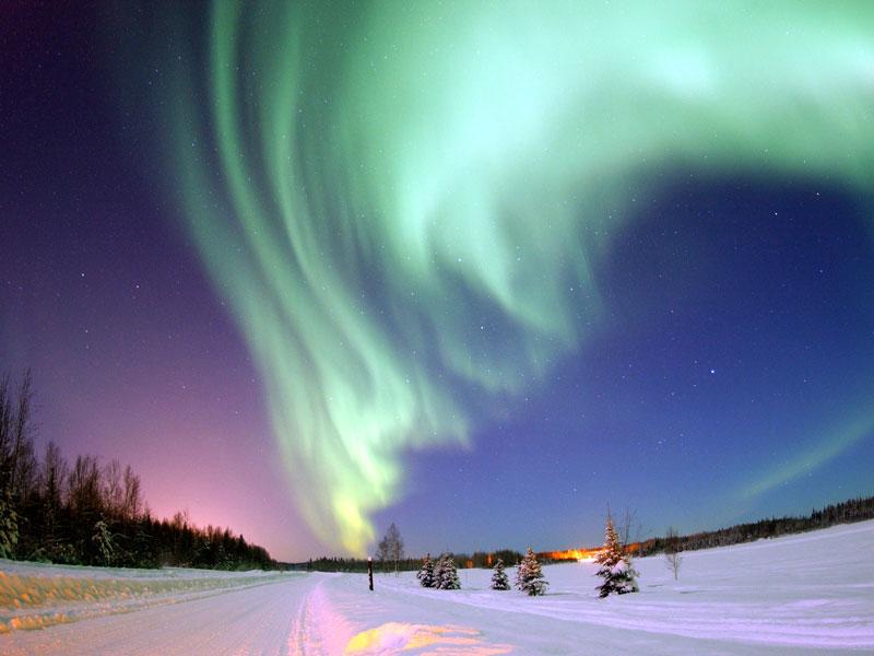 Aurore polaire au-dessus de l'Alaska