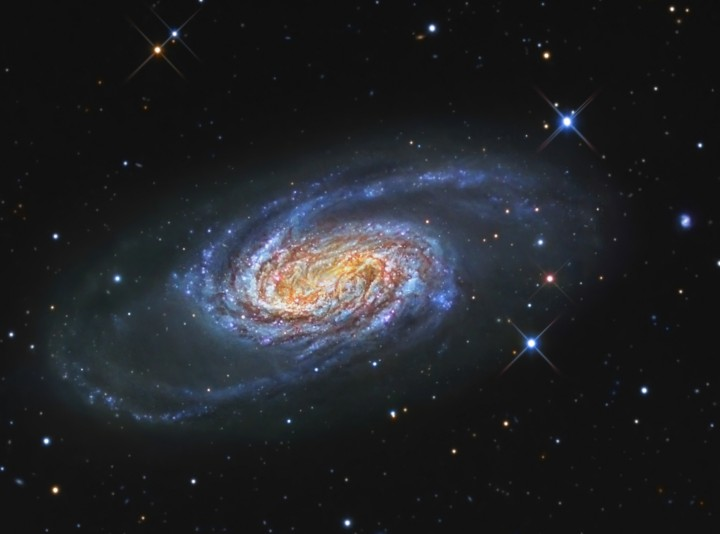 La brillante galaxie NGC 2903