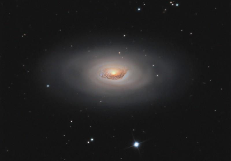 M64, la Galaxie de l\'oeil noir