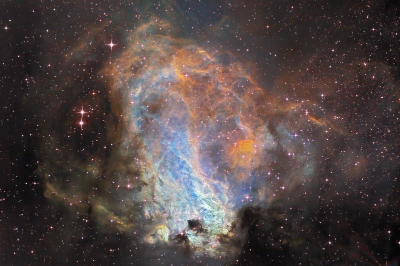 Messier 17, l\'usine à étoiles