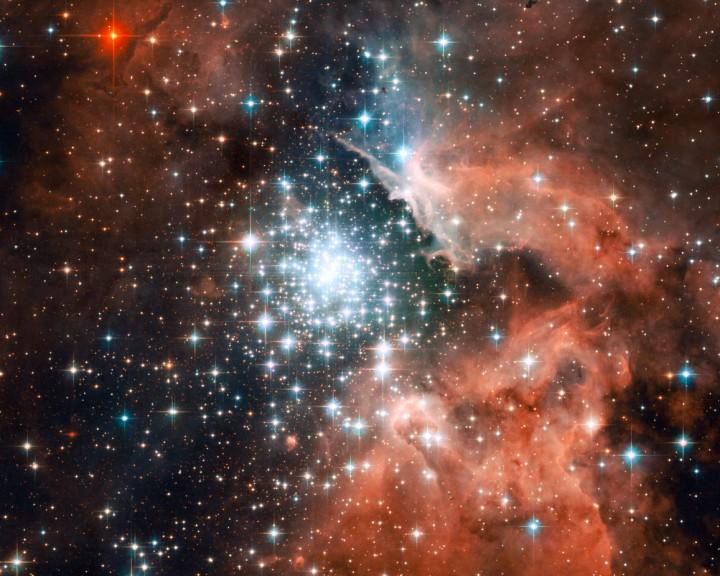 Flambée d'étoiles en amas dans NGC 3603