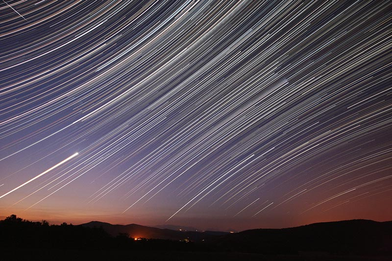 Les étoiles filent à l\'aube