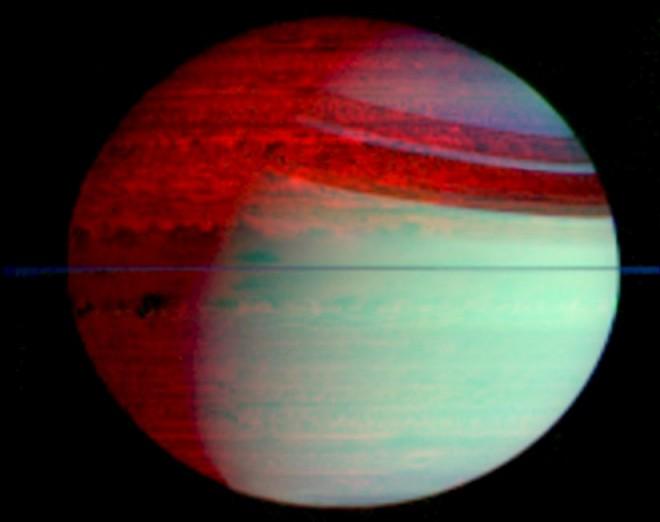 La lueur infrarouge de Saturne