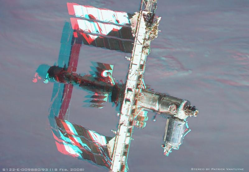 Station spatiale en stéréo
