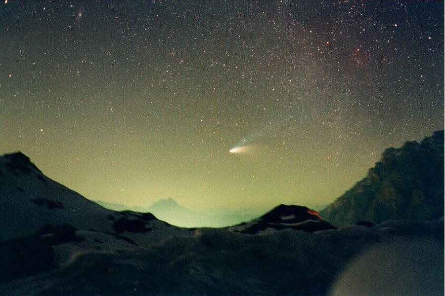 La comète Hale-Bopp au dessus de Val Parola