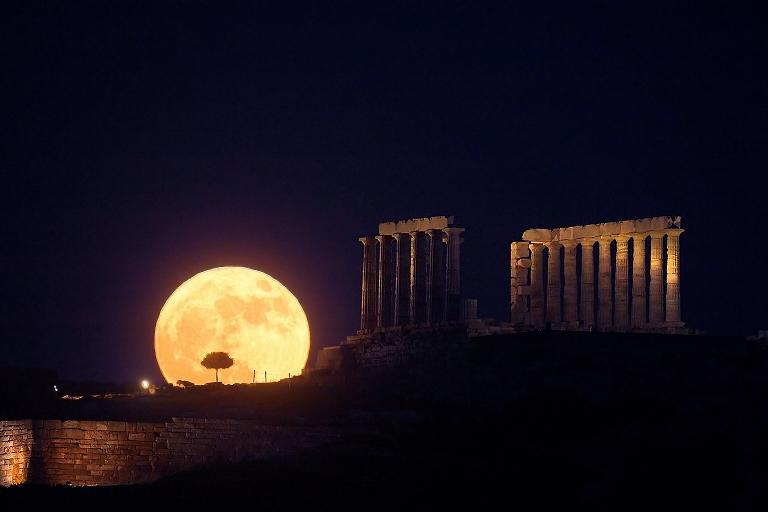 Lune de solstice au Cap Sounion