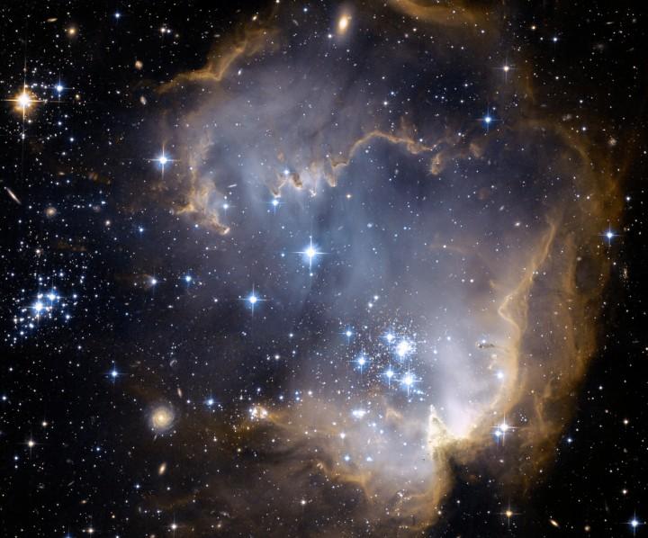 NGC 602 et au-delà