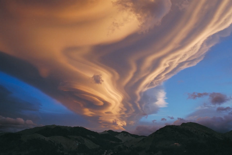 Nuage lenticulaire sur la Nouvelle-Zélande