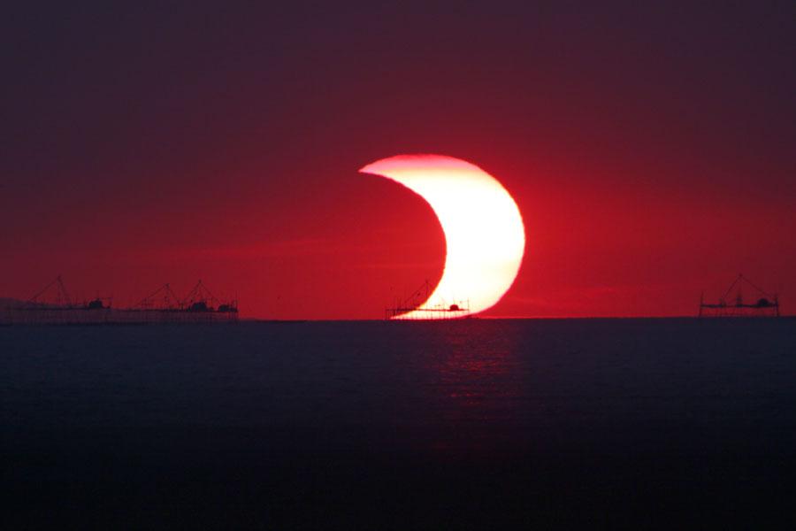 L'éclipse du 26 janvier 2009 dans la baie de Manille