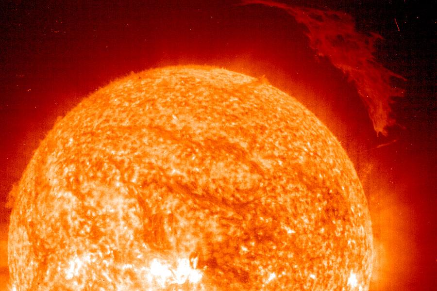 Protubérante protubérance solaire
