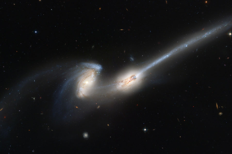 NGC 4676, collision de souris