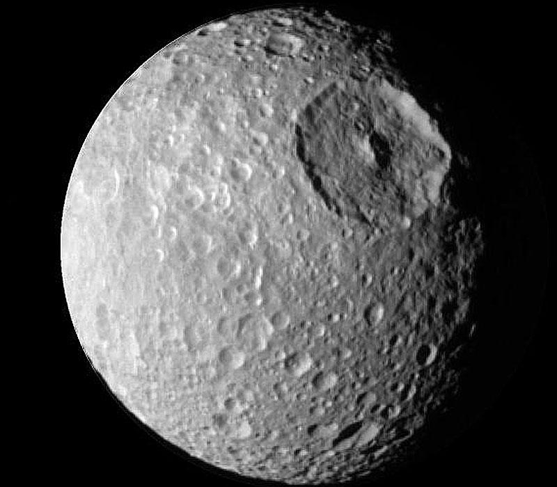 Mimas, la petite lune au grand cratère
