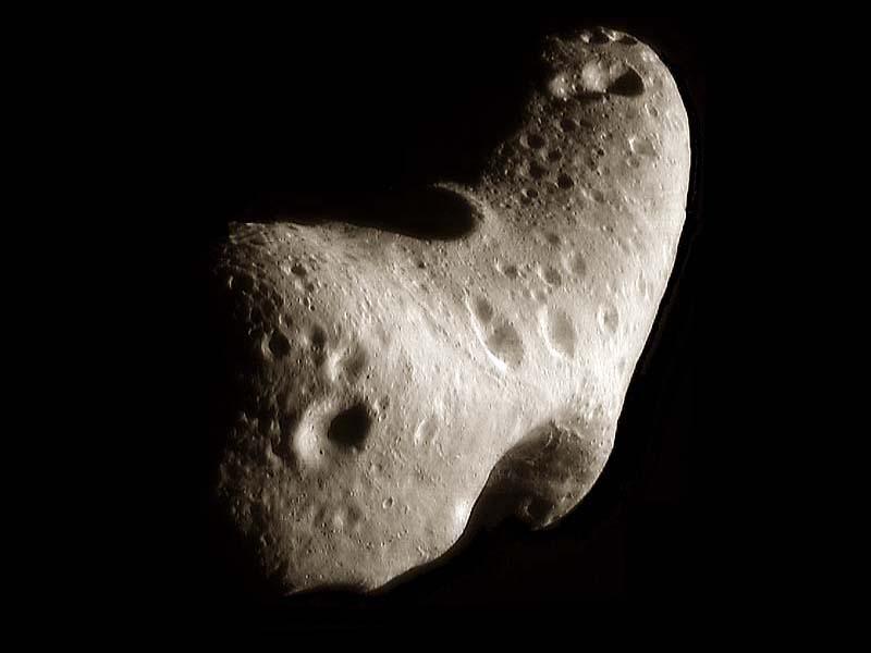 Un regard inédit sur l'astéroïde Eros