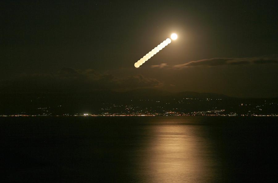 Lever de Lune au-dessus de la Turquie