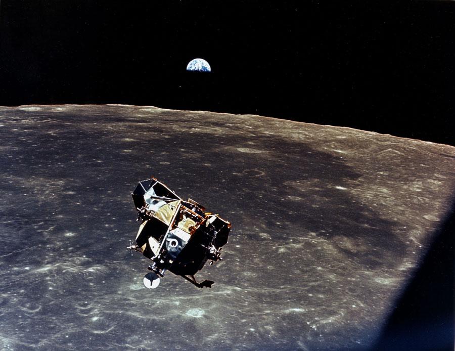 De la Lune à la Terre