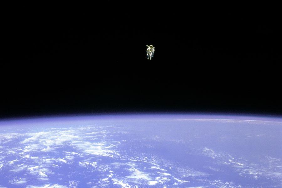 Voler librement dans l\'espace