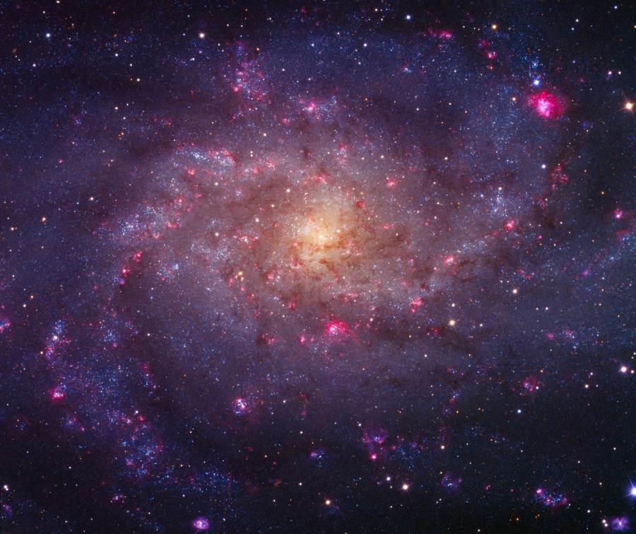 Les brillantes nébuleuses de M33
