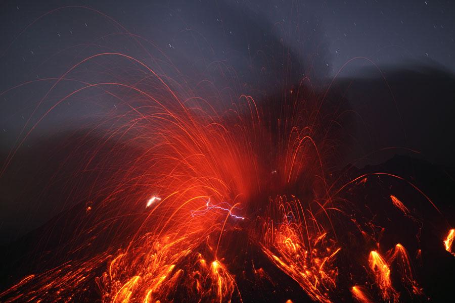 Les éclairs du volcan Sakurajima
