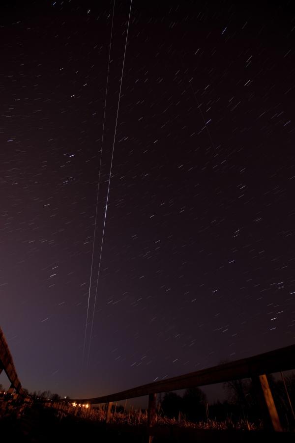 Endeavour et l\'ISS à l\'aube