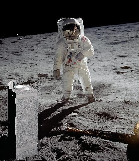 Nouveaux indices de présence d\'eau sur la Lune
