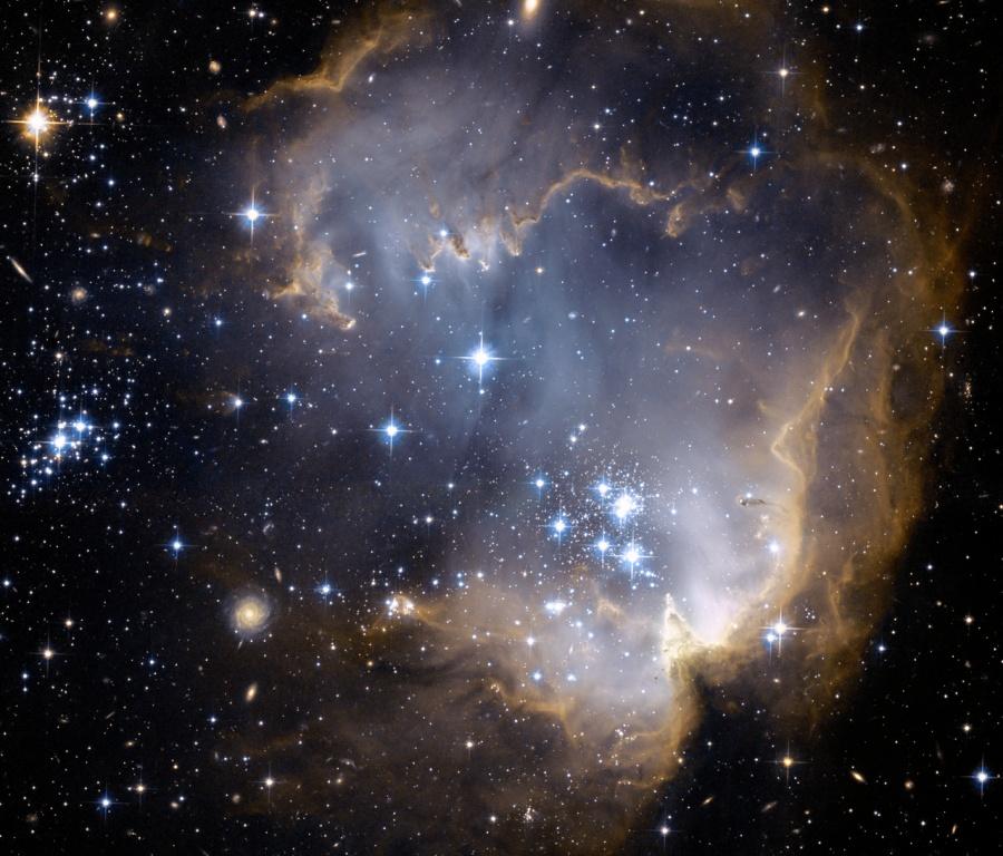 NGC 602 et au delà