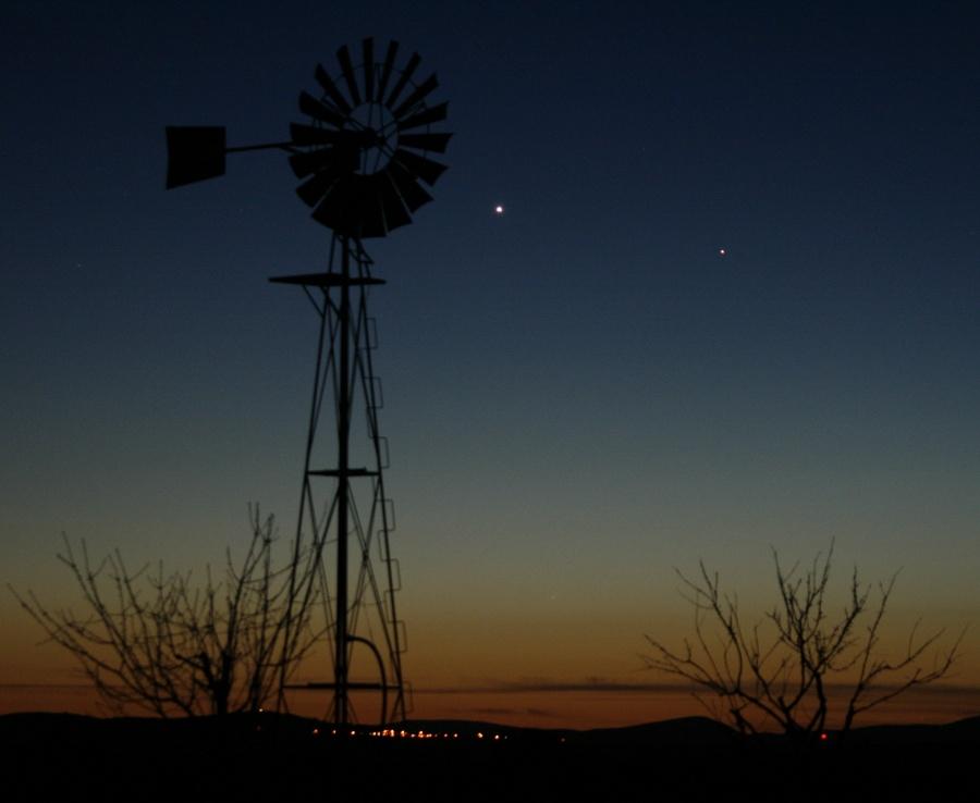 Vénus et Mercure complètement à l'Ouest