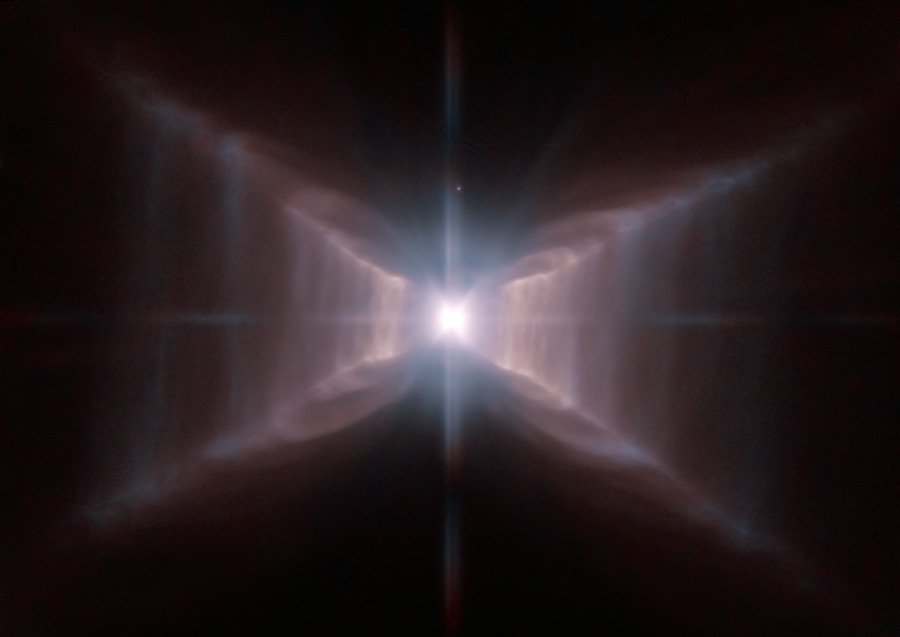 La nébuleuse du Rectangle Rouge vue par Hubble