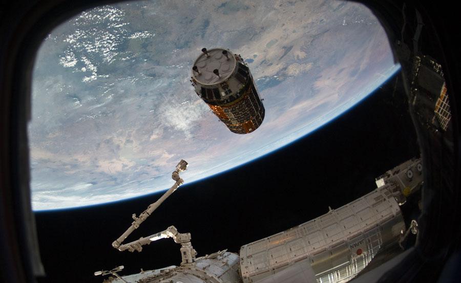 Kounotori 2 approche de l\'ISS