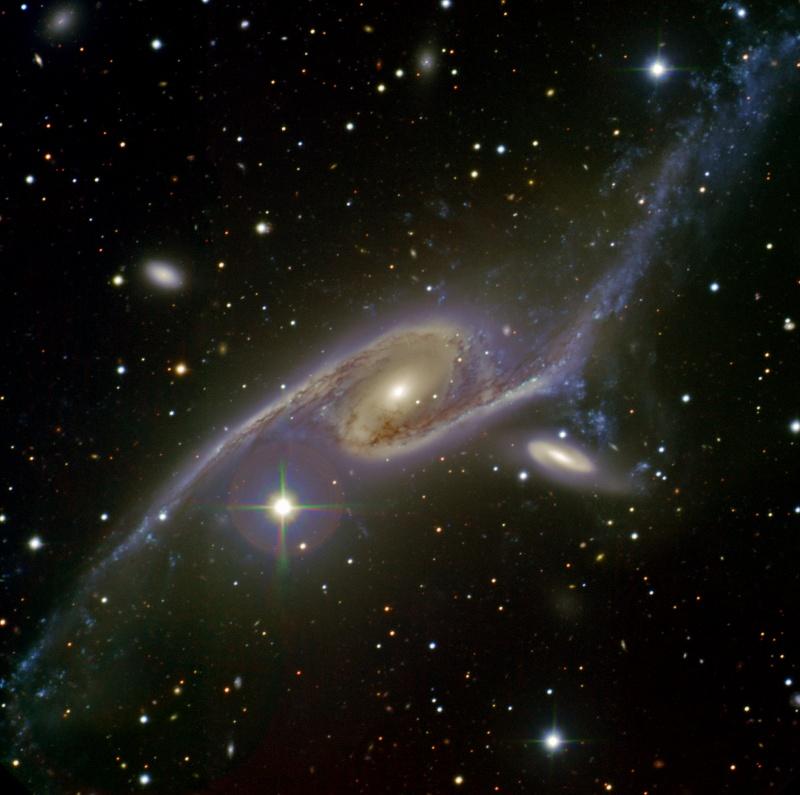 La galaxie géante NGC 6872