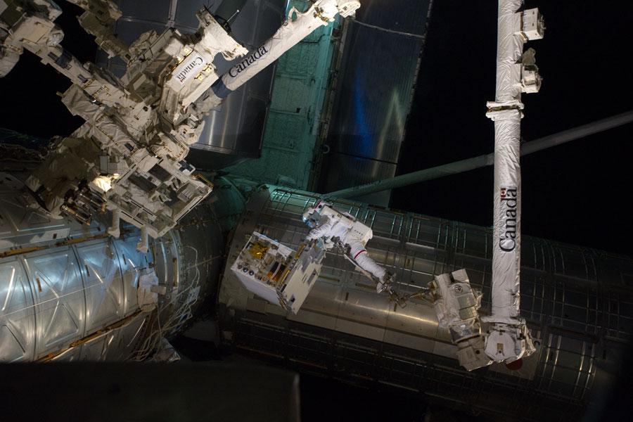 Une sortie très chargée dans l'espace