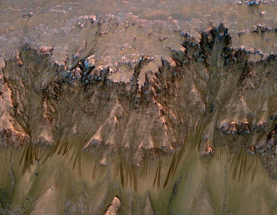 De l\'eau liquide sur Mars ?