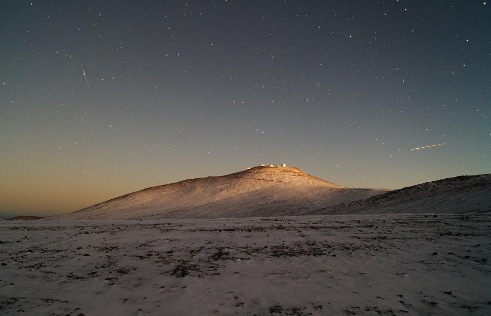 Etoile filante sur les neiges du Paranal