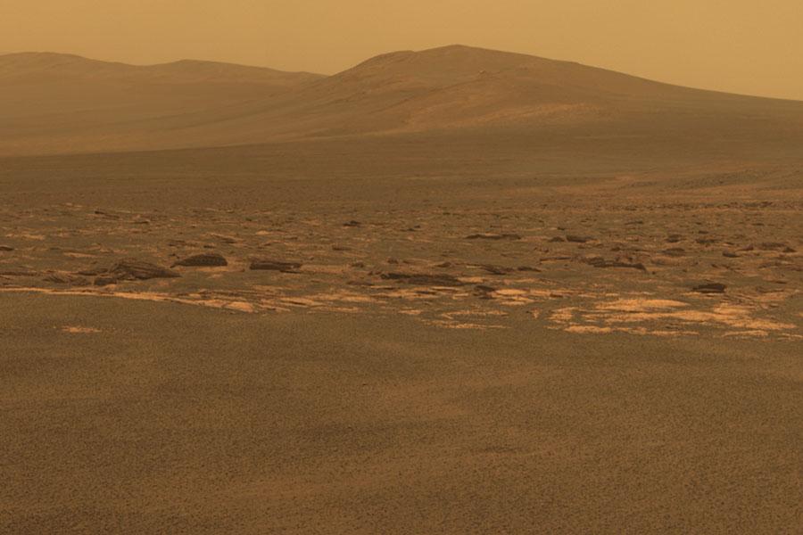 Opportunity touche enfin au cratère Endeavour