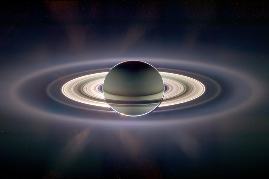 Dans l\'ombre de Saturne